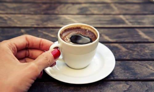 Чи можна пити каву з молоком при циститі