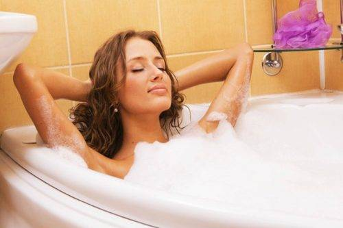 Чи можна при циститі відвідувати гарячу ванну
